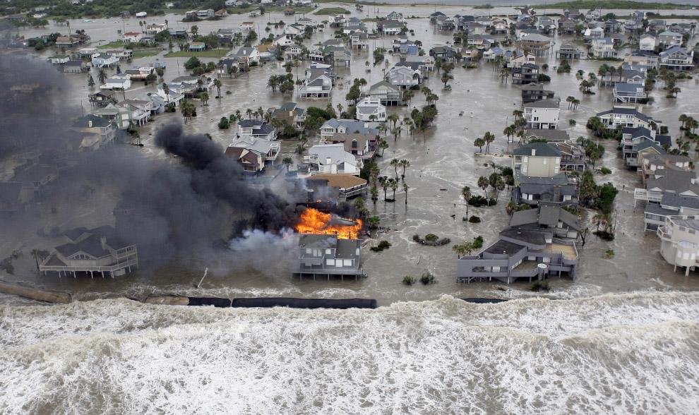 Galveston Island, TX underwater 2 days before its Sept.14, 2008 landfall. AP Photo by David Phillip