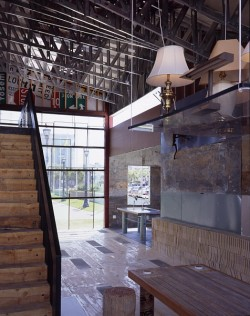 scrap-house_interior