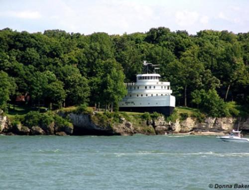 ship-house